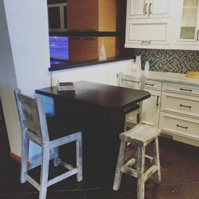 Prairie Barnwood Kitchen Craft Kenaston Display Rustic Reclaimed island and barstools